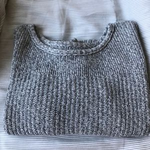 American Eagle Gray Cropped Sweater